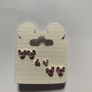 ⭐️⭐️NWT Disney Mickey Mouse stud earrings